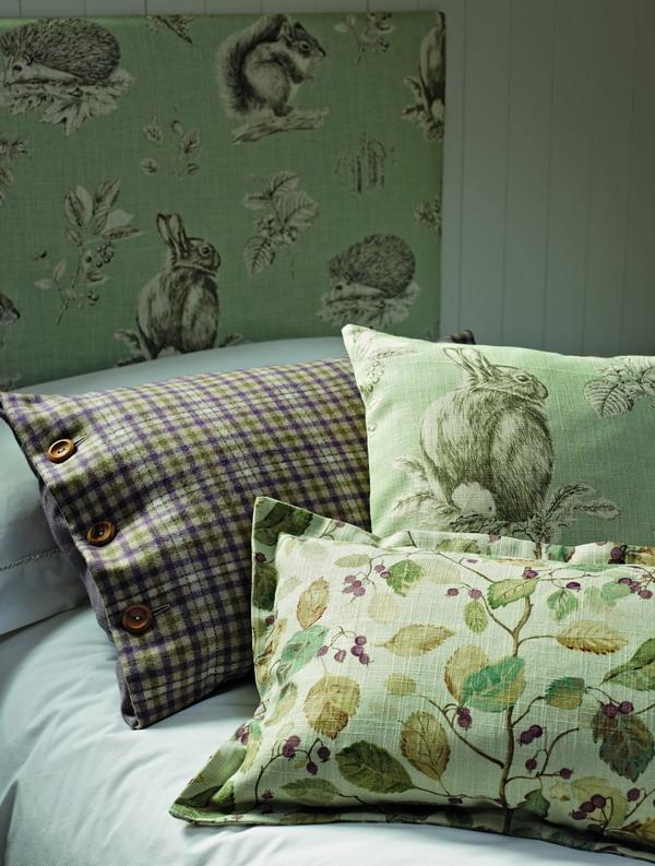 THIBAUT_5_Squirrel_and_Hedgehog_FB_Cushion_Detail_G3_med