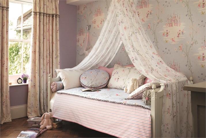 amenajarea unei camere de printesa la maison Sanderson Fairy Castle Main